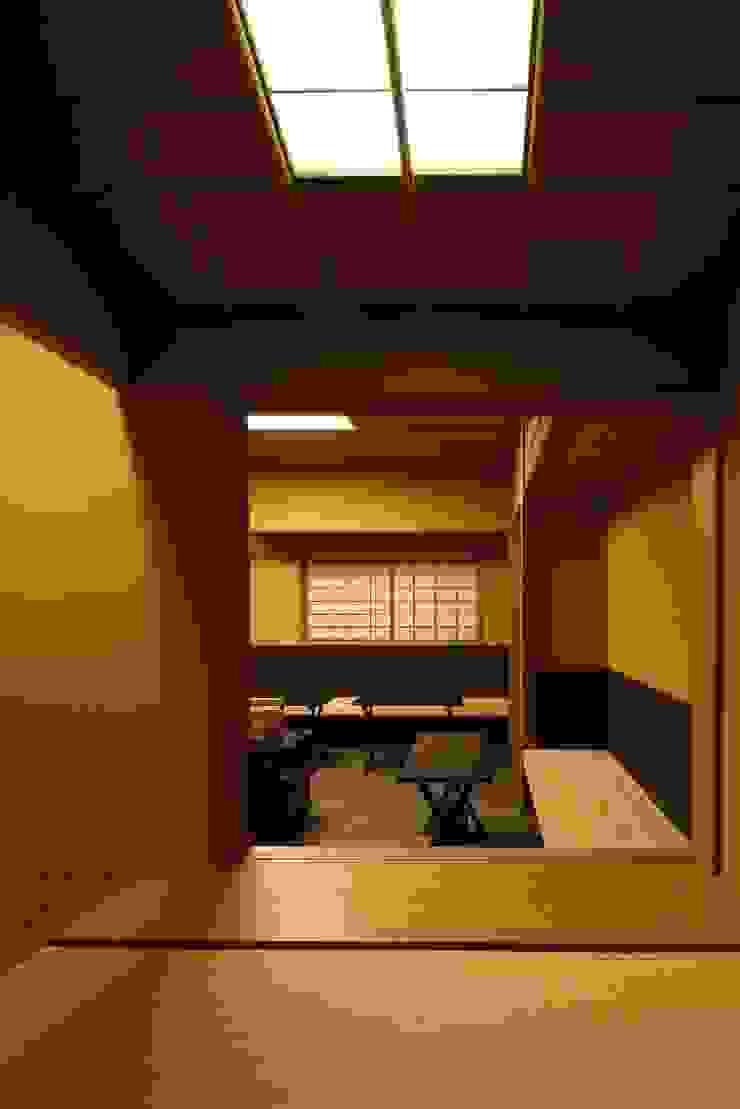 茶室/4畳 和風デザインの 多目的室 の 忘蹄庵建築設計室 和風