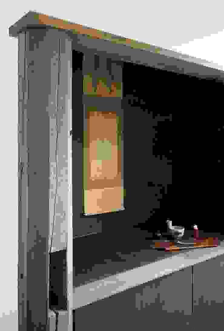 店舗飾り棚 アジア風商業空間 の 忘蹄庵建築設計室 和風