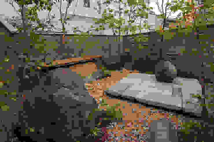 石と土 オリジナルな 庭 の Garden design office萬葉 オリジナル