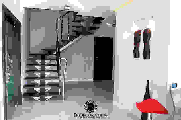 Dom pod Białymstokiem. Nowoczesny korytarz, przedpokój i schody od EnDecoration Nowoczesny