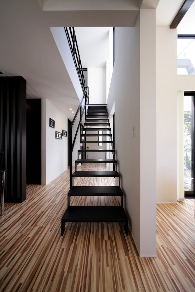 Eclectic style corridor, hallway & stairs by artect design - アルテクト デザイン Eclectic
