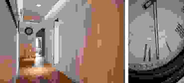 Pasillos, vestíbulos y escaleras clásicas de Bargański Pracownia Wnętrz Clásico