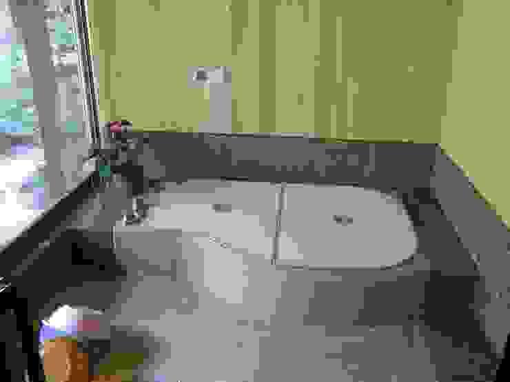 浴室: ie工房 弘祐が手掛けたクラシックです。,クラシック