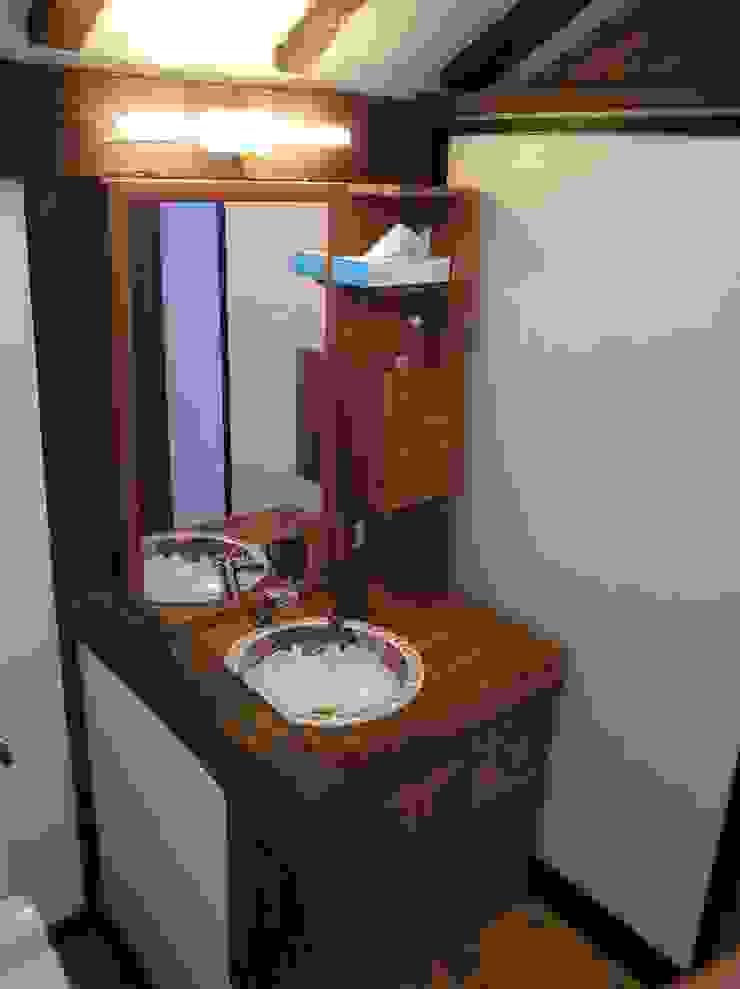 トイレ化粧洗面台(家具作成): ie工房 弘祐が手掛けたクラシックです。,クラシック