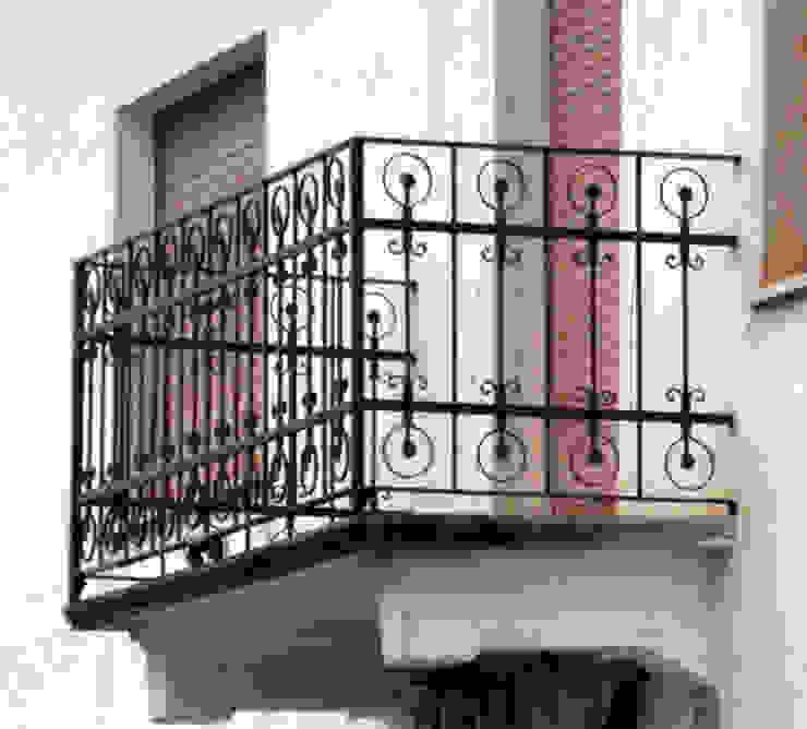 Balcone Balcone, Veranda & Terrazza in stile eclettico di Zuhause Claudio Molinari Eclettico