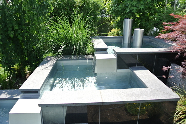 Jardines de estilo  de Edelstahl Atelier Crouse - individuelle Gartentore, Moderno