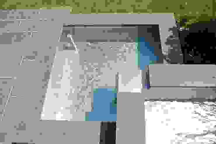 Teichwanne aus Edelstahl Moderner Garten von Edelstahl Atelier Crouse - individuelle Gartentore Modern