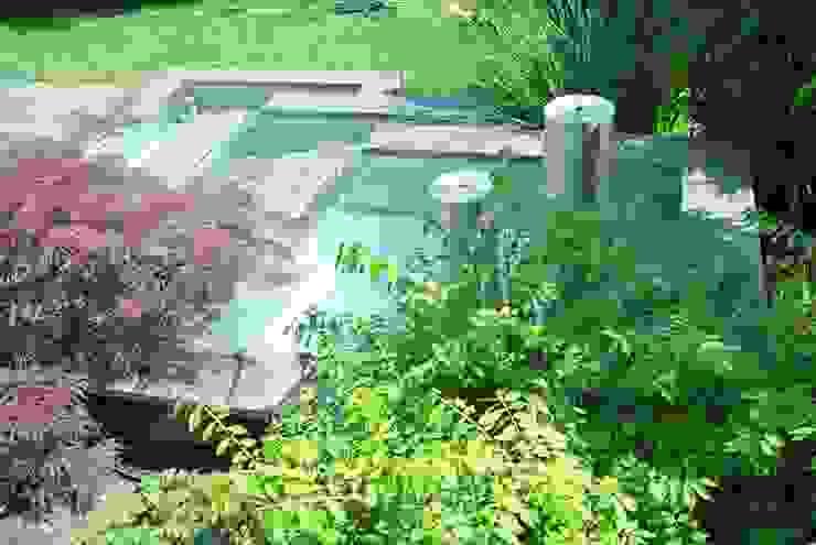 Edelstahl Teichbecken Moderner Garten von Edelstahl Atelier Crouse - individuelle Gartentore Modern