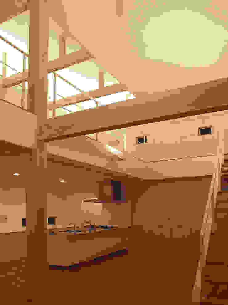 LDK モダンデザインの リビング の 岩瀬隆広建築設計 モダン