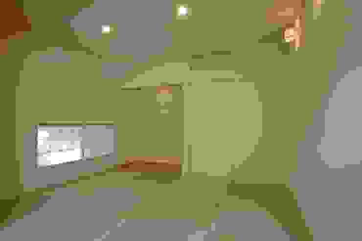 八龍の家 / House in Hachiryu モダンデザインの 多目的室 の 市原忍建築設計事務所 / Shinobu Ichihara Architects モダン