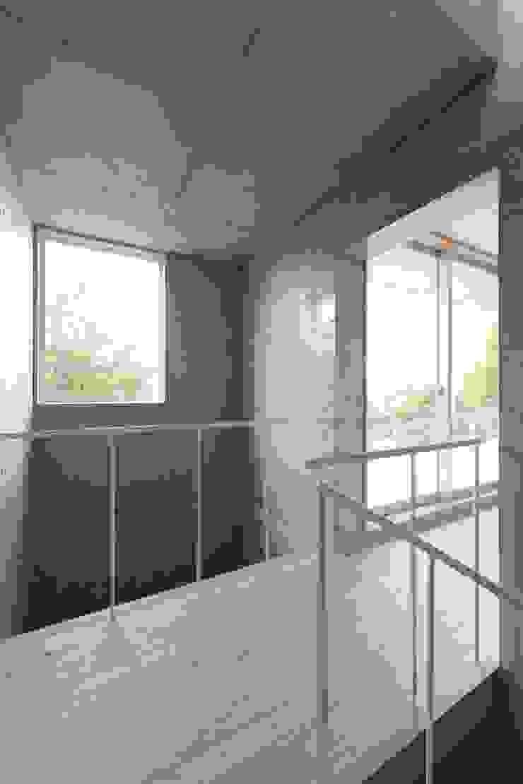 犬山の家 / House in Inuyama モダンスタイルの 玄関&廊下&階段 の 市原忍建築設計事務所 / Shinobu Ichihara Architects モダン