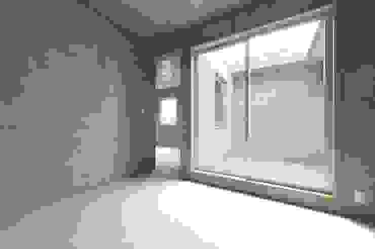 犬山の家 / House in Inuyama 市原忍建築設計事務所 / Shinobu Ichihara Architects モダンデザインの テラス
