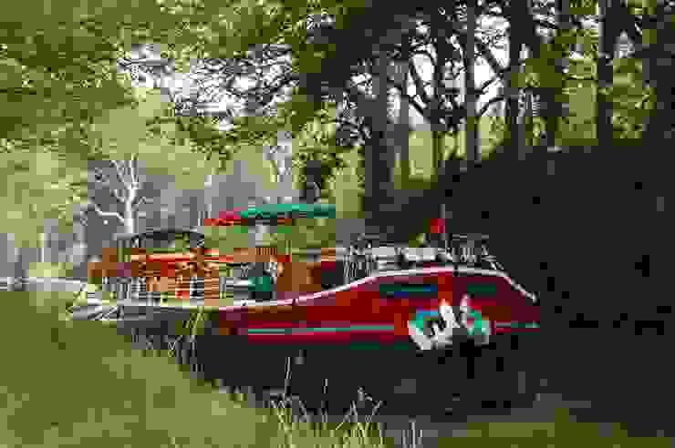 Péniche Savannah sur le Canal du Midi par ID SPACE Colonial
