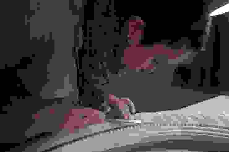 Dinding & Lantai Gaya Klasik Oleh Iva Viana Atelier de Escultura Klasik