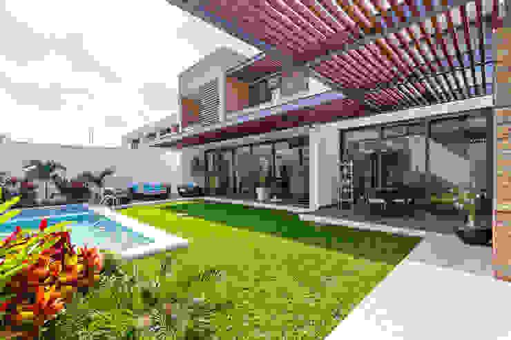 Varandas, alpendres e terraços modernos por Enrique Cabrera Arquitecto Moderno