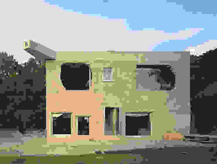Дома в стиле минимализм от Brandlhuber+ Emde, Schneider Минимализм