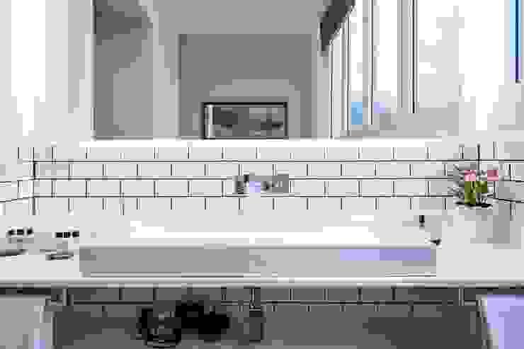 Baño suite Baños de estilo moderno de Time2dsign Moderno