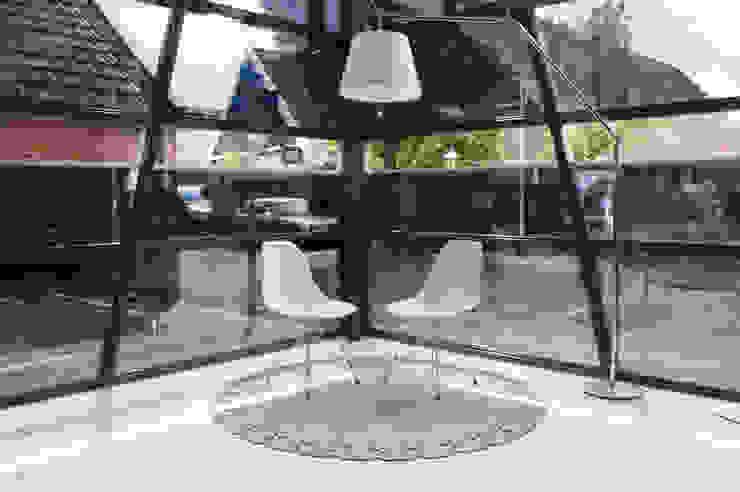 Vloerkleed Kisses voor een minimalistisch en warm interieur op kantoor van Evelien Lulofs Minimalistisch