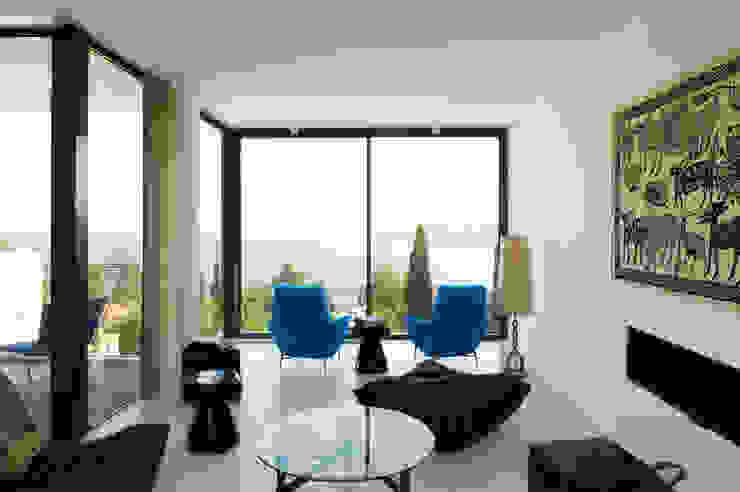 Mediterranean style living room by nesso Mediterranean