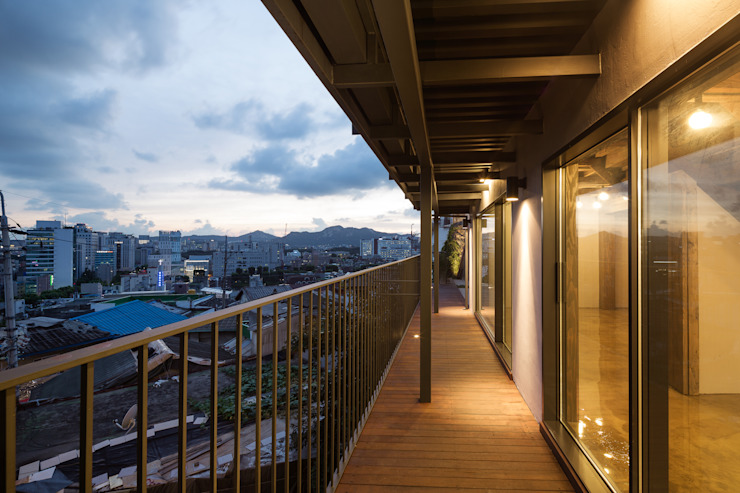 Balkon, Beranda & Teras Modern Oleh HANMEI - LEECHUNGKEE Modern