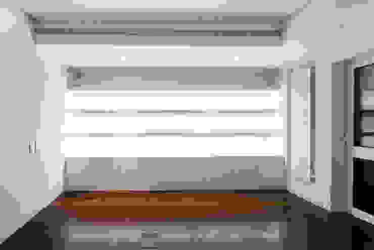 Modern Living Room by Pedra Silva Architects Modern Wood Wood effect
