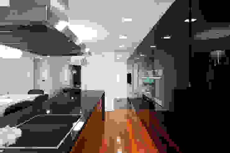 by Pedra Silva Architects Modern Wood Wood effect