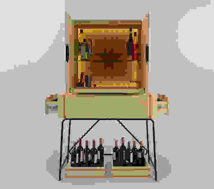 Mueble Bodega de Eugenio Aguirre Moderno Madera Acabado en madera