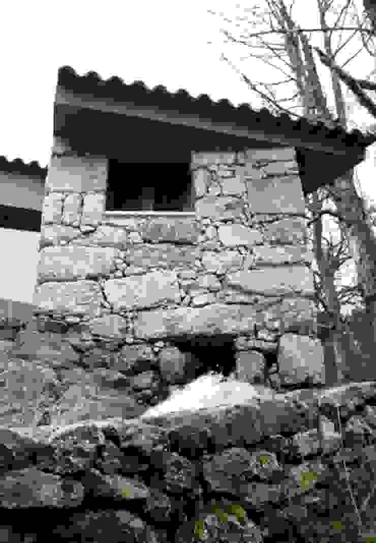 Moinhos da Rapa 10 Casas rústicas por ARKIVO Rústico