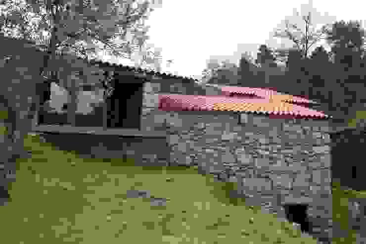 Moinhos da Rapa 8 Casas rústicas por ARKIVO Rústico
