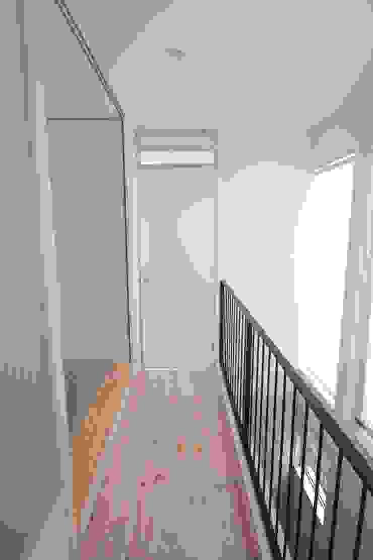 家族の共有空間の和室 オリジナルスタイルの 玄関&廊下&階段 の 池田デザイン室(一級建築士事務所) オリジナル