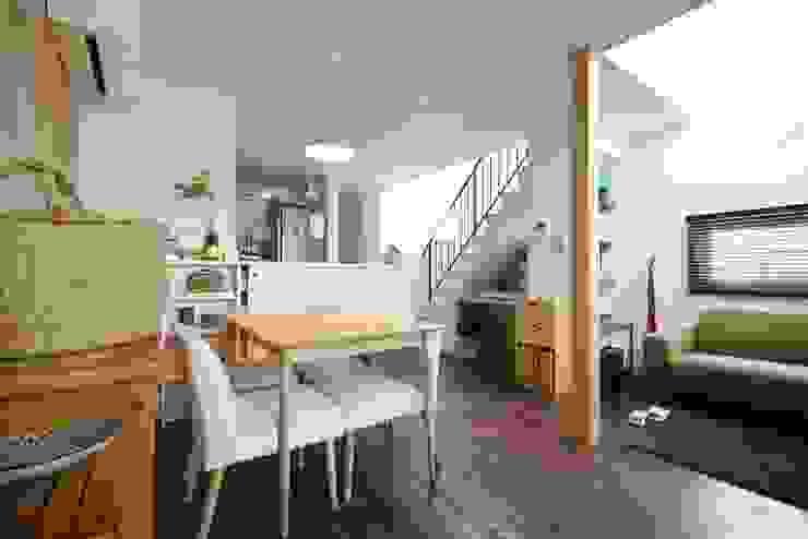 造作カウンターのダイニングキッチン: 池田デザイン室(一級建築士事務所)が手掛けたダイニングです。,オリジナル