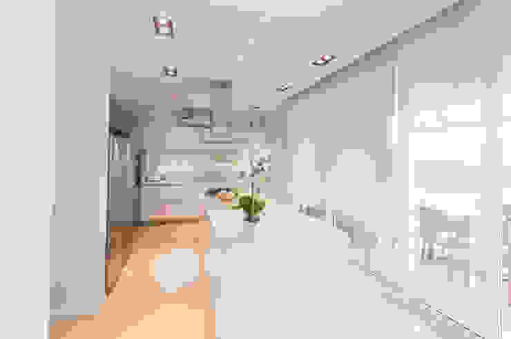 Cocinas de estilo moderno de Estudio Arqt Moderno