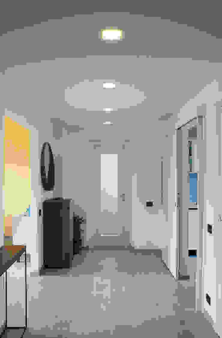 Valentina Cassader Modern corridor, hallway & stairs