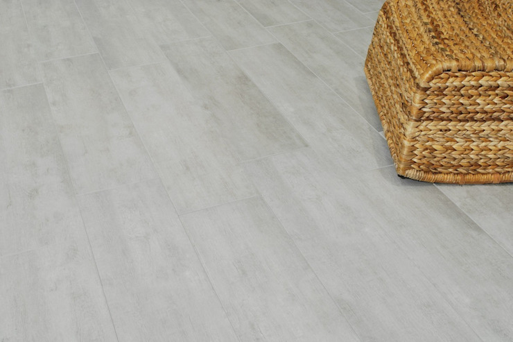 Wood effect floor tiles Habitat Grigio 21x85 모던스타일 주방 by ItalianGres 모던