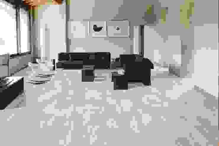 Gres porcellanato effetto legno Nadi Bianco 30x120 di homify Rustico