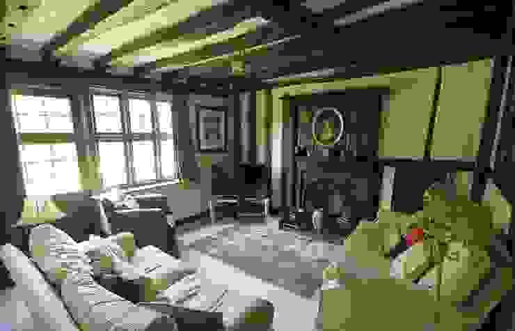 Tudor Snug Room Salas de estilo rural de Bandon Interior Design Rural