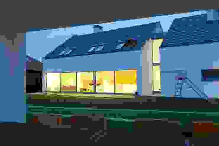 Innovative Simplicity Nowoczesne domy od Fotograf wnetrz Dymitr Kalasznikow Nowoczesny