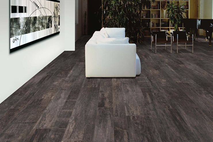 Wood effect floor tiles Nadi Carbone von homify Rustikal