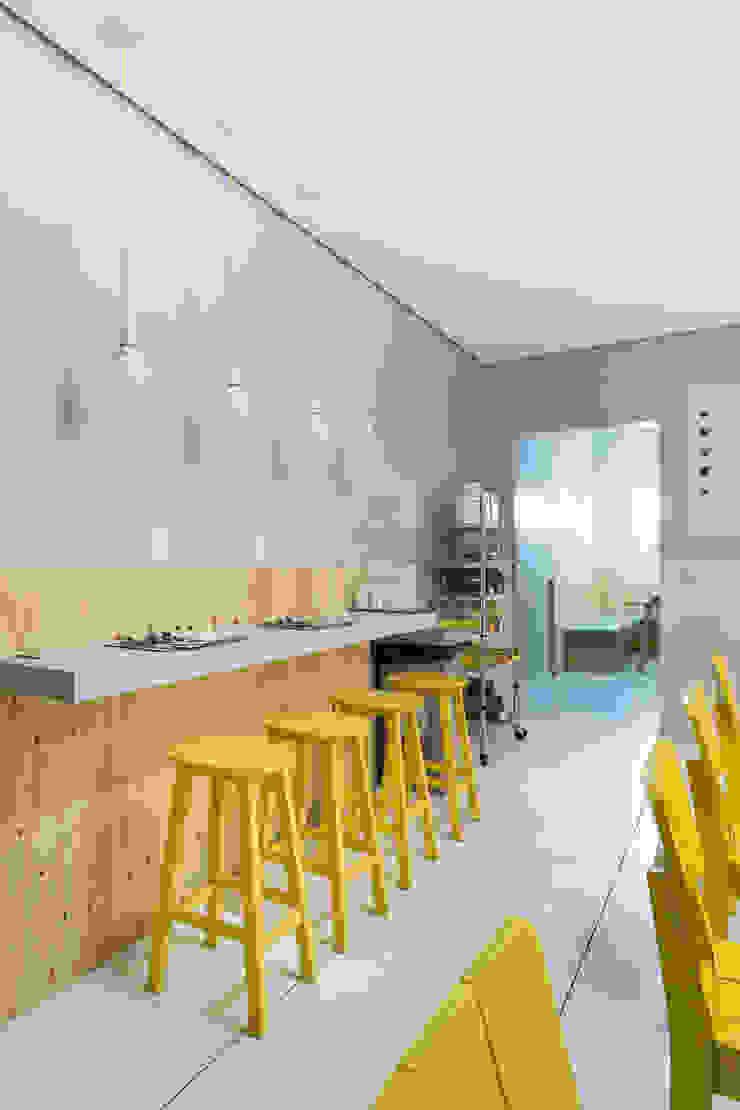 Yami Café Espaços gastronômicos modernos por Kali Arquitetura Moderno