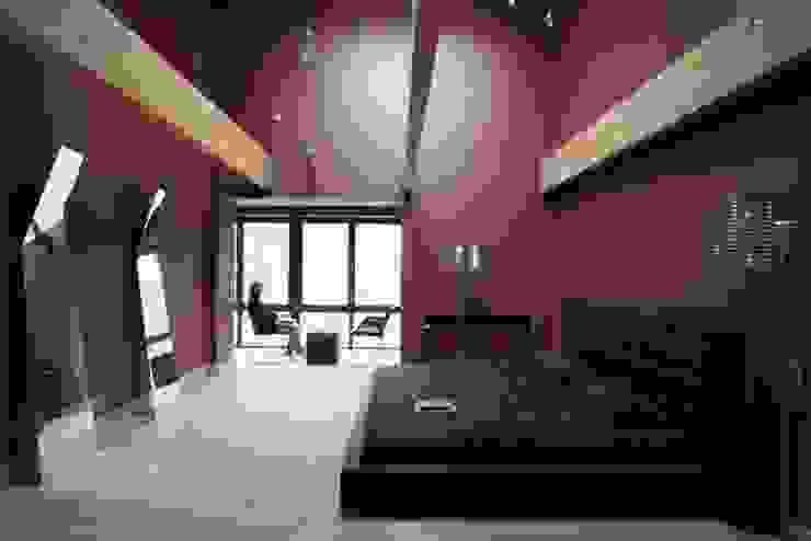 Elegant Laconism Nowoczesna sypialnia od Fotograf wnetrz Dymitr Kalasznikow Nowoczesny