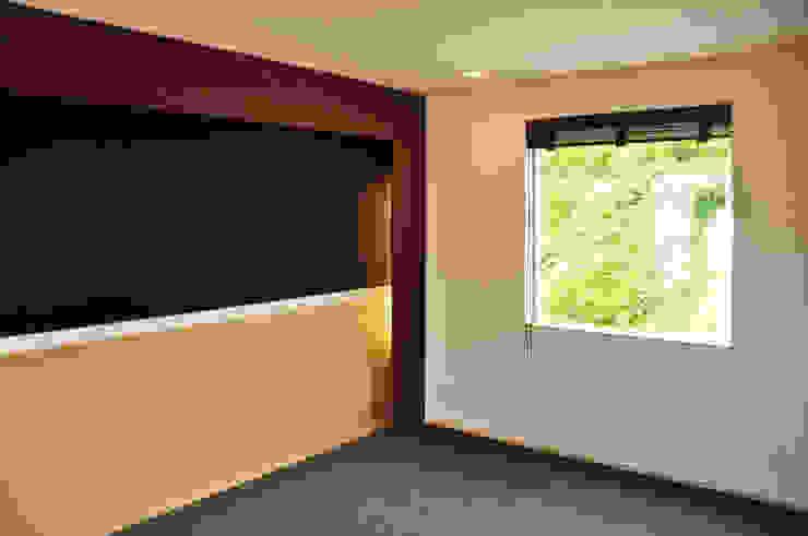 株式会社アトリエカレラ Modern style bedroom