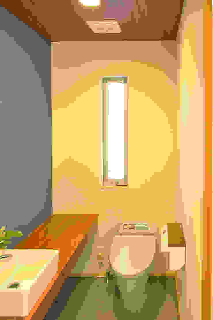 株式会社アトリエカレラ Modern style bathrooms