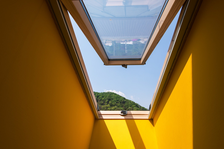 Seo-Kyeong-Dab-Ka (西景答家) Modern windows & doors by KAWA Design Group Modern