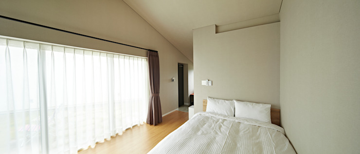 Bedroom by johsungwook architects,