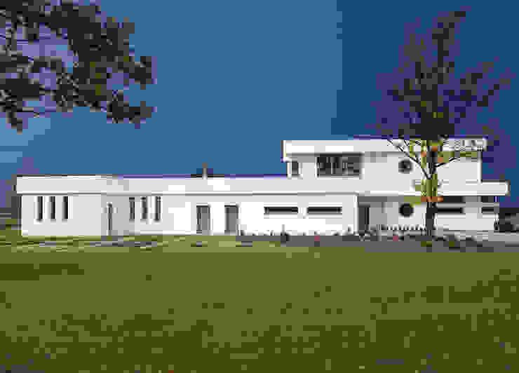 Minimalist house by MAŁECCY biuro projektowe Minimalist