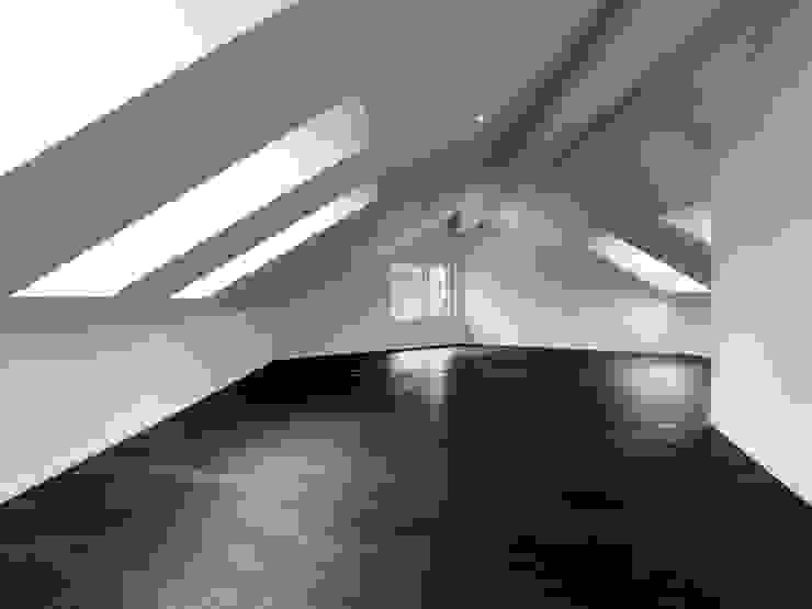 Einfamilienhäuser Weizenacher, Zumikon Moderne Schlafzimmer von René Schmid Architekten AG Modern