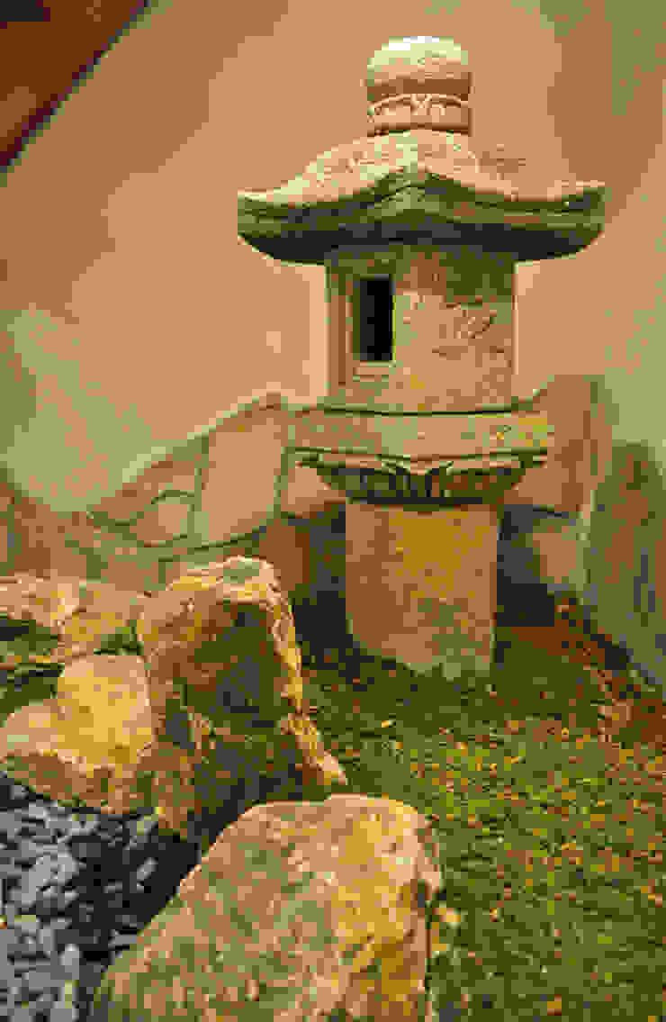 燈篭周りの眺め オリジナルな 庭 の 新美園 オリジナル