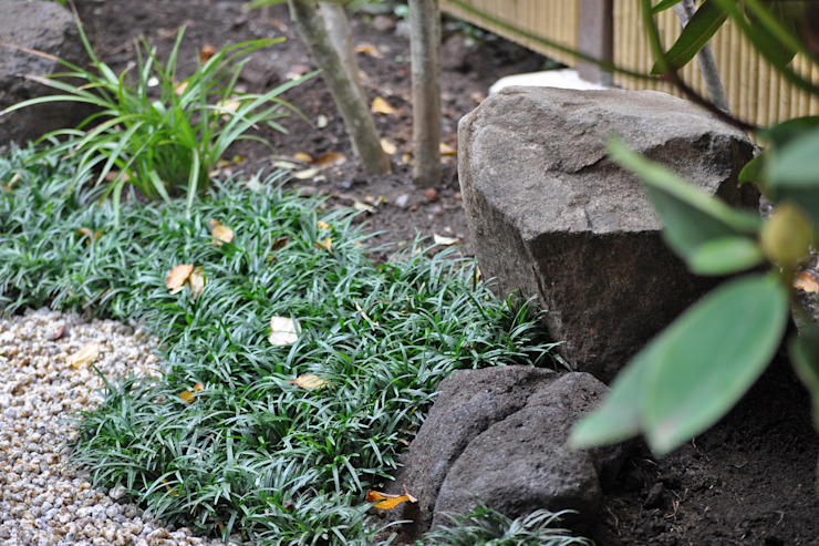 「自然石」としての庭石 オリジナルな 庭 の 新美園 オリジナル
