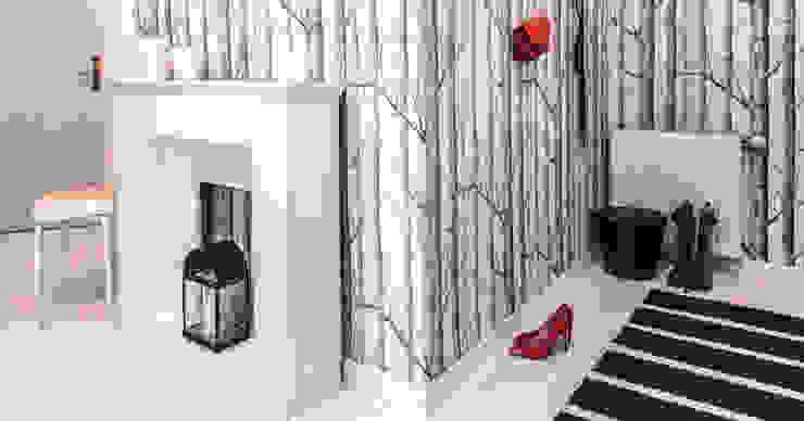Pasillos y vestíbulos de estilo  de DoMilimetra, Moderno