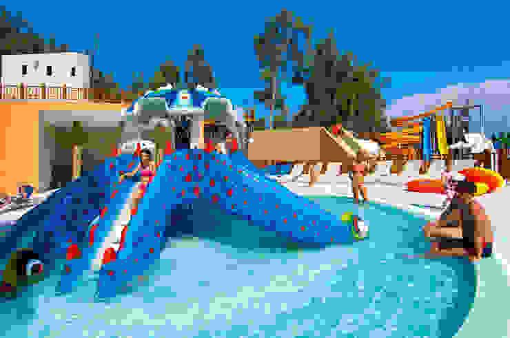 çocuk kaydırakları ve çocuk havuzu Modern Okullar Palmiye Peyzaj Mimarlık Modern